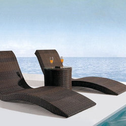 Monte Lauro Rattan Sun Bed - Features: