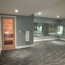 Home Gym by Otero Signature Homes