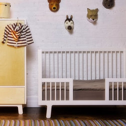 OEUF - Sparrow Toddler Bed Conversion Kit - Your little one might not need to sleep in a crib anymore, but that's no reason to part with your splendid Sparrow crib. Transform it into a modern toddler bed with this inspired conversion kit.