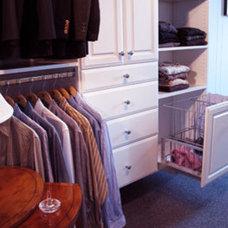 Traditional Closet by Closets etc., LLC
