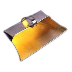 Metal Dustpan - dustpan with cover flap for holding the dust in open air and procure more capacity dust, derbies etc. with heavy duty used for Residential, Housekeeping and for Industrial use. Long life durable due to metal body with coating.