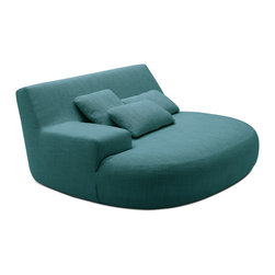 Poliform Big Bug armchair - Big Bug, the extralarge version of Bug armchair designed by Paola Navone. A landscape of comfort in which the seat and arm create original geometries.
