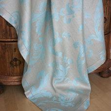 Modern Tablecloths by Linen Way Inc.