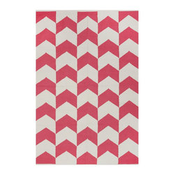 Fab Habitat - Metropolitan Rose & Bright White (5' x 8') - This delightful rug allows you to celebrate the dynamic union between a pop of color and crisp white. The symbiotic relationship between the two plays out here in the form of an attractive chevron motif, only further confirming this partnership was truly meant to be.