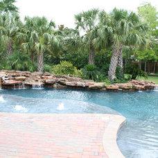 Tropical Landscape by Bradley Signature Pools