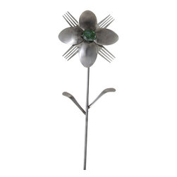 Forked Up Art - Hera - Flower - A great display for the garden!