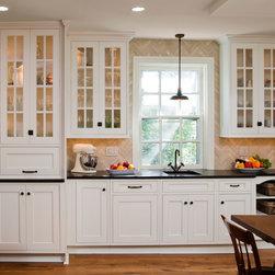 Herringbone Creme Kitchen Tile - Image : Randl Bye Photography
