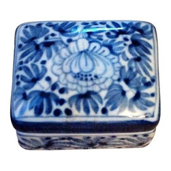 Maitland - Smith - Pre-owned Maitland Smith Trinket Box - Lovely little vintage Maitland Smith trinket box in blue & gray. Perfect addition to your dresser, nightstand or anywhere you want to add a subtle touch of chinoiserie chic.