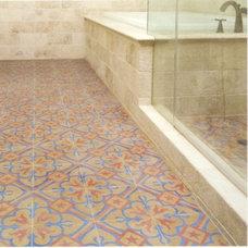 Eclectic Bathroom by www.LUXURYSTYLE.es