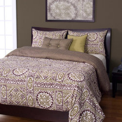 Siscovers - Jordan Green and Brown Six Piece Queen Duvet Set - - Set Includes: Duvet - 94x98, Two Queen Shams - 30x20, One Decorative Pillow - 16x16, One Decorative Pillow - 26x14  - Inserts: Polyester  - Duvet Material: 100% Polyester  - Sham Material: 100% Polyester  - Pillow Material: 100% Polyester  - Workmanship and materials for the life of the product. SIScovers cannot be responsible for normal fabric wear, sun damage, or damage caused by misuse  - Reversible Duvet and Shams  - Care Instruction: Machine Wash  - Made in USA of Fabric made in China Siscovers - JORD-XDUQN6