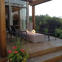 Summer 2012 - The Ravello Linear Fire Pit, available in Propane or Natural Gas. We ship anywhere in North America, call us about your project.