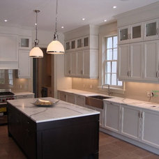 Kitchen Countertops by Stone Trend Design & Build Inc.