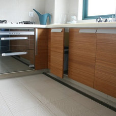 Modern Kitchen Cabinets by Shanghai Linfeng Parquet CO.,LTD