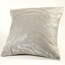 Bed Pillows by sachinandbabi.com