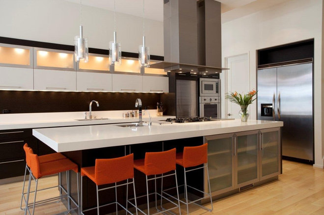 Contemporary Kitchen by Environs Development