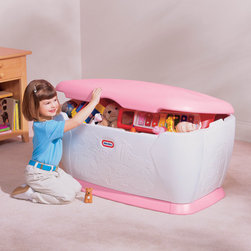 """Little Tikes - Juvenile Furniture Giant Toy Chest with Lid - Store all your children's toys in this Giant Toy Chest with Lid. The contemporary design won't look out of place in the corner of any room. Features: -Lid detaches for safety.-Blue lid.-Toys not included.-Collection: Juvenile Furniture.-Distressed: No.-Frame Material: Plastic.-Lidded: Yes -Removable Lid : Yes..-Upholstered: No.-Handles: No.-Casters: No.-Stackable: No.-Product Care: Use hot water with mild soap.-Country of Manufacture: United States.-Age Recommendation: 2 years and up.Specifications: -PEFC Certified: No.-Green Guard Certified: No.Dimensions: -Overall Dimensions: 21.75'' H x 23.25'' W x 39'' D.-Overall Height - Top to Bottom: 21.75"""".-Overall Width - Side to Side: 39"""".-Overall Depth - Front to Back: 23.25"""".-Storage Compartment: Yes.-Seat: No.-Overall Product Weight: 26 lbs.Assembly: -Assembly Required: Yes.-Tools Needed: Hammer or mallet.-Additional Parts Required: No.Warranty: -Product Warranty: 1 year limited warranty."""