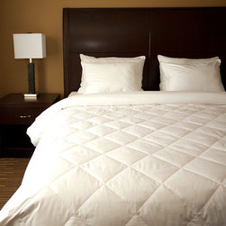 None - Diamond Quilted Down Blanket - This blanket was originally made for a national chain of premium hotels that wanted an easy to care for white down blanket. Oversized for comfort with hypoallergenic materials,the silky fabric features a secure weave to ensure the filling does not leak.
