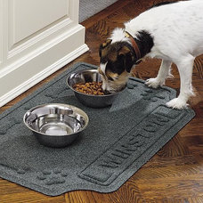 Traditional Pet Supplies by FRONTGATE