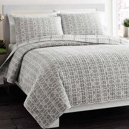 City Scene Puzzle Grey Reversible 3-piece Cotton Quilt Set -