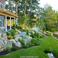 Traditional Landscape by Sallie Hill Design
