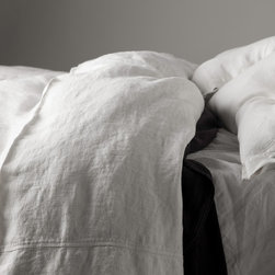Matteo Sanders Duvet Cover - A heavy weight garment washed linen duvet cover that is so soft, like it has been hidden away in a European farmhouse. Garment washing the linen allows us to enjoy the feel of vintage lines passed down for many generations. Available in Queen and King and 7 Colors.