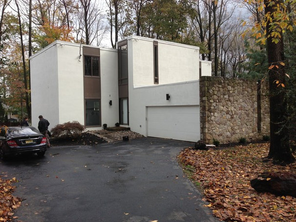 Vintage modern designed home from the 79s.