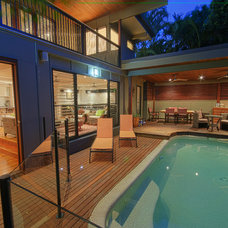 Contemporary Pool by Adrian Ramsay Design House