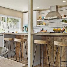 Modern Kitchen by Signature Designs Kitchen & Bath