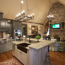 Traditional  by Ashley Taylor Home LLC