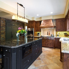 Traditional Kitchen Tustin Kitchen, bar, and family room