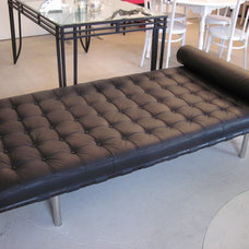 Modern Day Beds And Chaises Barcelona daybed