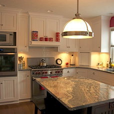Traditional Kitchen Cabinets by Superior Cabinetry