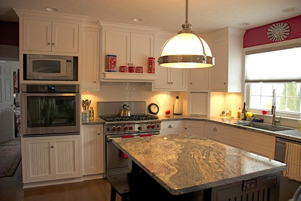 Traditional Kitchen Cabinetry by Superior Cabinetry
