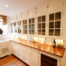 Farmhouse Kitchen by Enqvist Homes