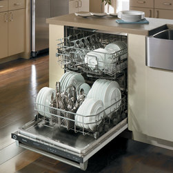 """Viking Professional Series VDB325EBK 24"""" Professional Dishwasher - 24"""" Professional Dishwasher with Vari-Pressure Intelli-Wash™ System, Central Intelligence™ System, Four-Stage Filtration and Waste Removal, Sure-Temp™ Water Heating, Quiet Clean™ Performance Package, Sturdi-Bilt™ Racks"""