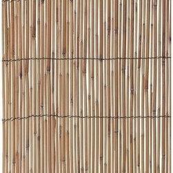 Gardman USA - Reed Fencing Medium 13'x5' - Features: