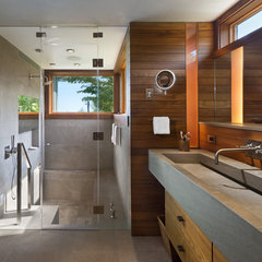 modern bathroom Further Lane