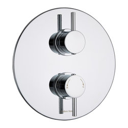 Hudson Reed - Kristal Round Thermostatic Twin Shower Valve Concealed Style 1 Outlet in Chrome - The Hudson Reed Kristal thermostatic twin shower valve with round plate features crosshead handles to control the flow and temperature of the water. This shower valve will supply water at a pre-set temperature to either a fixed shower head, shower handset or tub filler. Made in Great Britain from brass with a chrome finish, this high quality thermostatic shower valve incorporates ceramic disc technology and an anti-scald device for a safer showering experience.