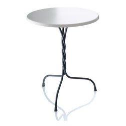 Magis - Magis | Vigna Outdoor Pedestal Table - Design by Martino Gamper, 2011.