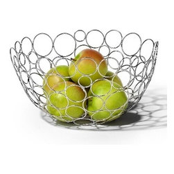 Spectrum Diversified Designs - Shapes & Circles Fruit Bowl, Chrome - Display your fruits and vegetables in style with the Circle Shapes Fruit Bowl. The fun and interesting shapes make a delightfully modern piece that will add a whimsical touch to your home. Made of sturdy steel, this bowl is the perfect addition to your home whether you are serving bread rolls, storing fruits, or displaying decorative ornaments during the holidays.
