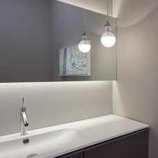 Modern Powder Room by dSPACE Studio Ltd, AIA