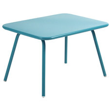Modern Kids Tables by Viesso