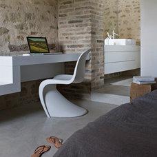 Contemporary Bedroom by spaces42