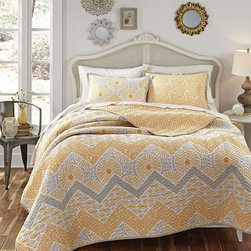 None - Kate Spain Sunnyside 3-piece Cotton Quilt Set - The Sanctuary by Kate Spain Sunnyside quilt set is constructed from pure cotton and is the perfect addition to your bedroom decor. The contemporary quilt and shams feature a zigzag pattern in shades of gold and grey and reverses to a leaf print.