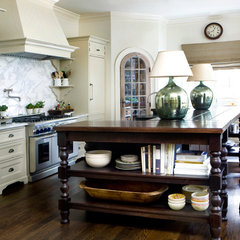 Picture 250 « Nancy Creek | Tammy Connor Interior Design