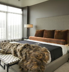 modern bedroom by Faith Cosgrove