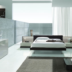 Made in Italy Quality High End Bedroom Sets - Modern Italian bedroom set with wide headboard. This is a modern Italian bedroom set that is made of excellent quality material to give you a luxurious rest and sleep.