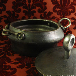 Forged Pot with Lid - rory may