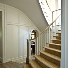 traditional staircase by Pursley Dixon Architecture