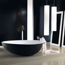Modern Bathtubs by Hydrology